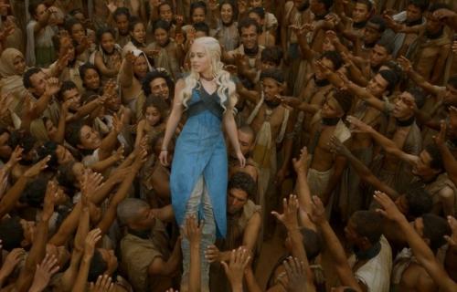 daenerys-emilia-clarke-parvient-faire-liberer-esclaves-yunkai-game-of-thrones.jpg
